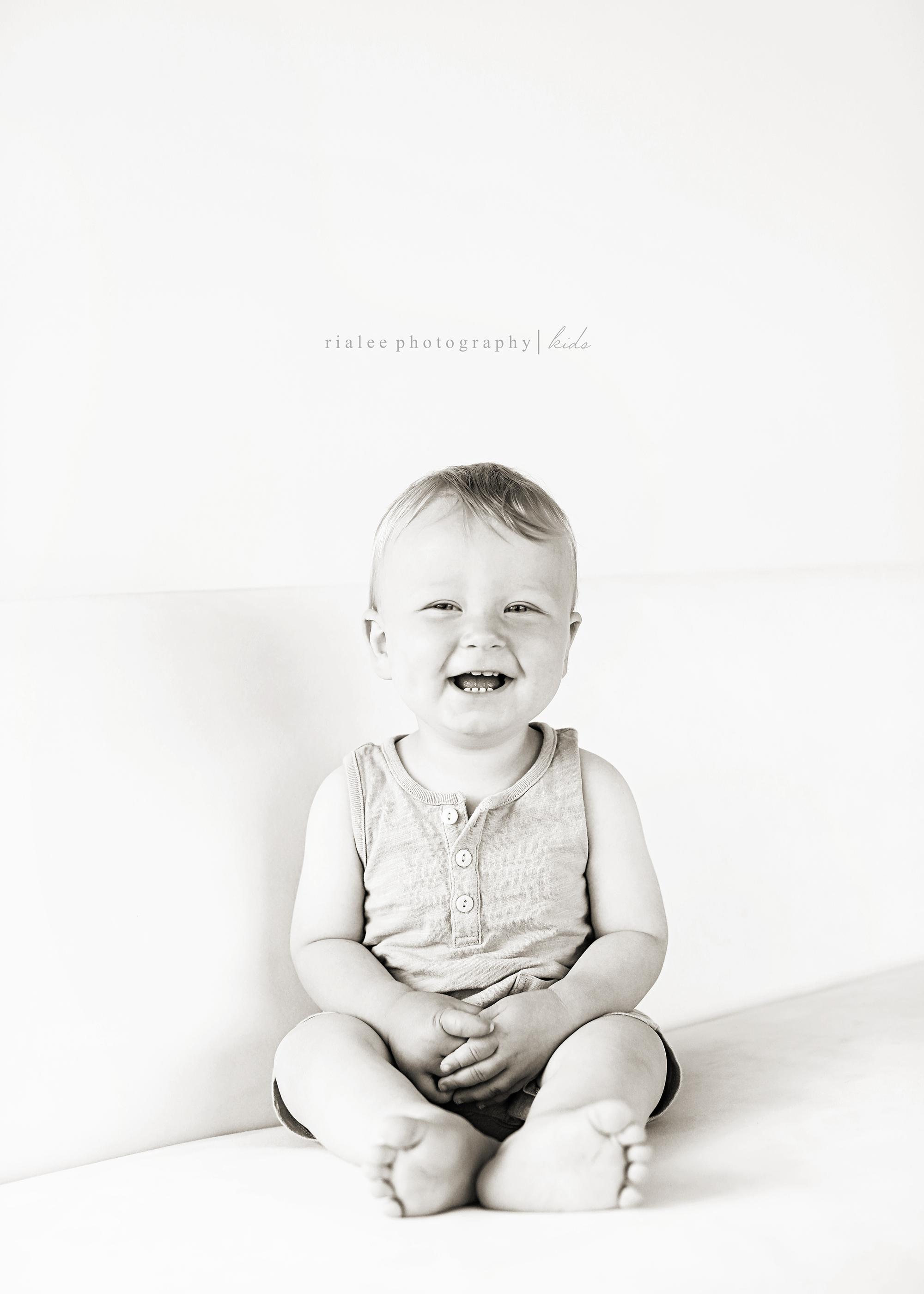 modernbabyphotographerfargo.jpg