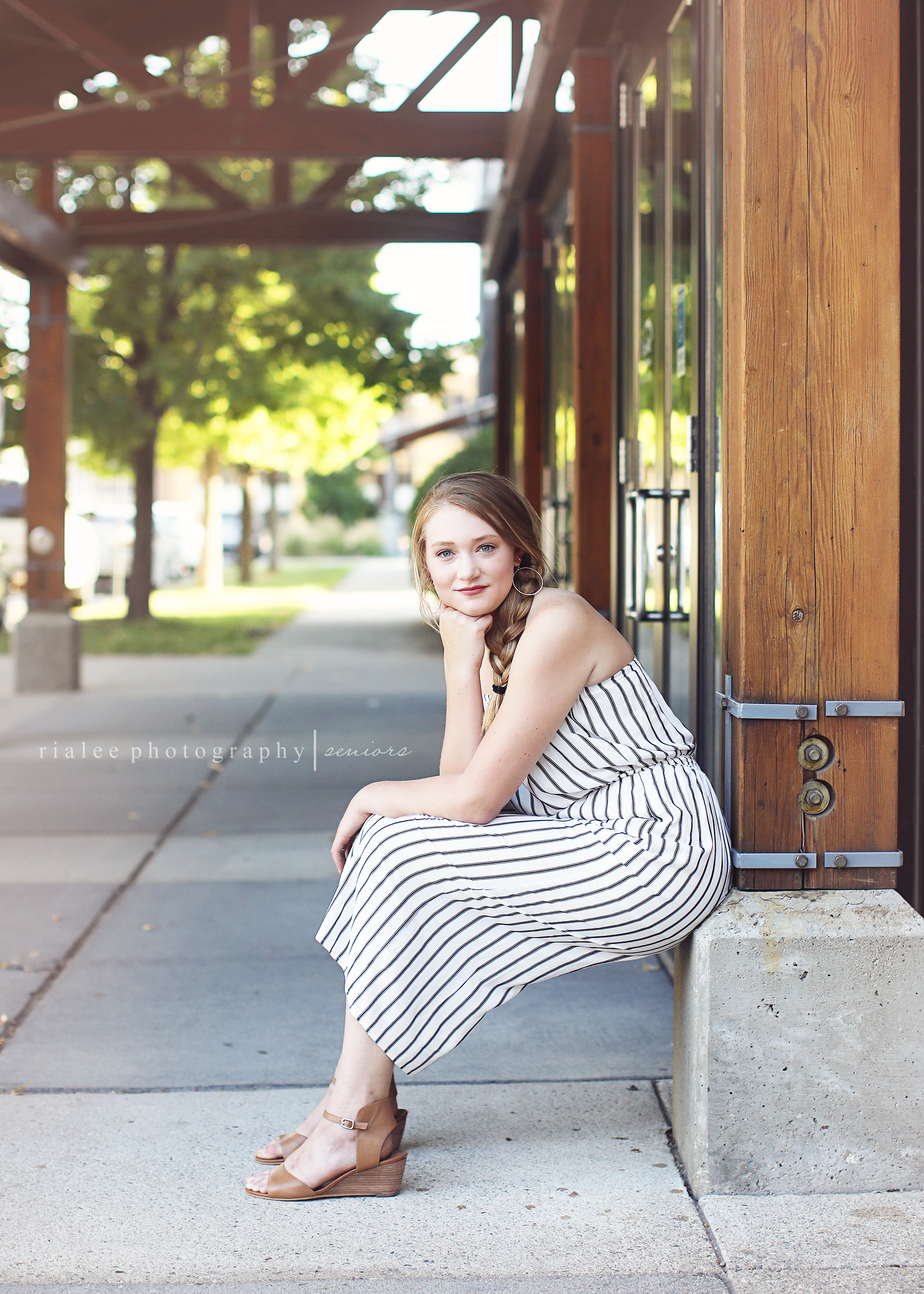 moorheadseniorphotos.jpg