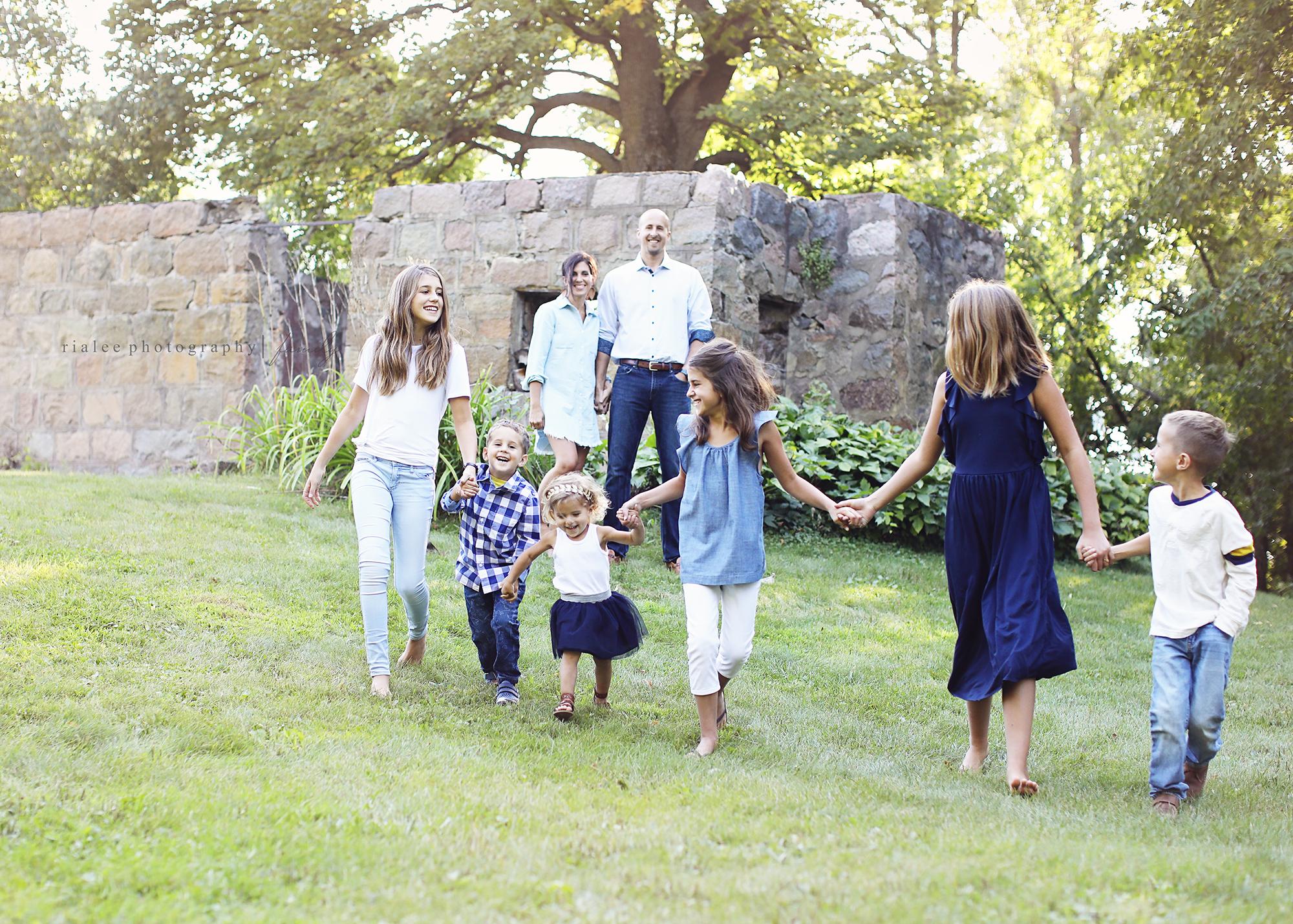 funfamilyphotographersinfargo.jpg