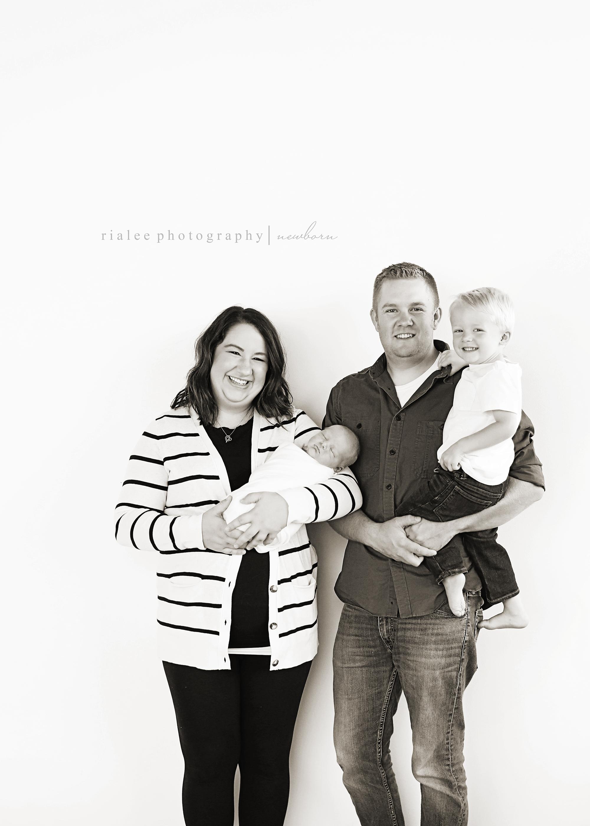 familyphotographerfargond.jpg