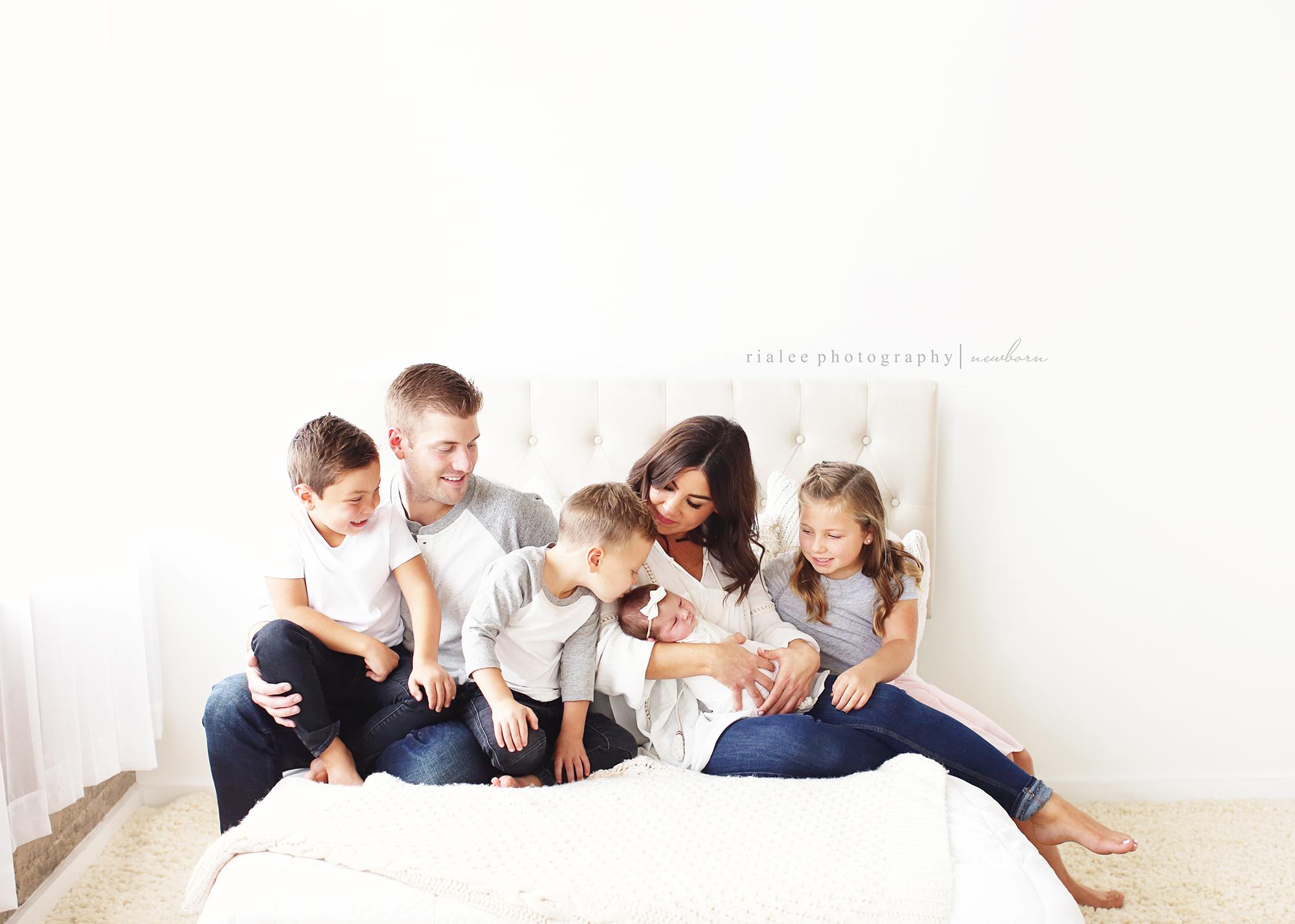 familynewbornphotos.jpg