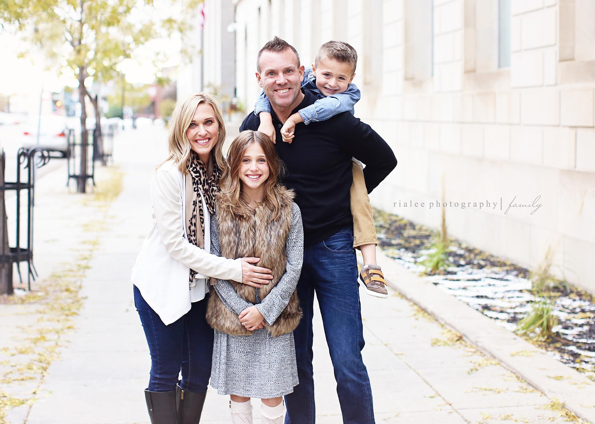 bestfamilyphotographersinfargo.jpg