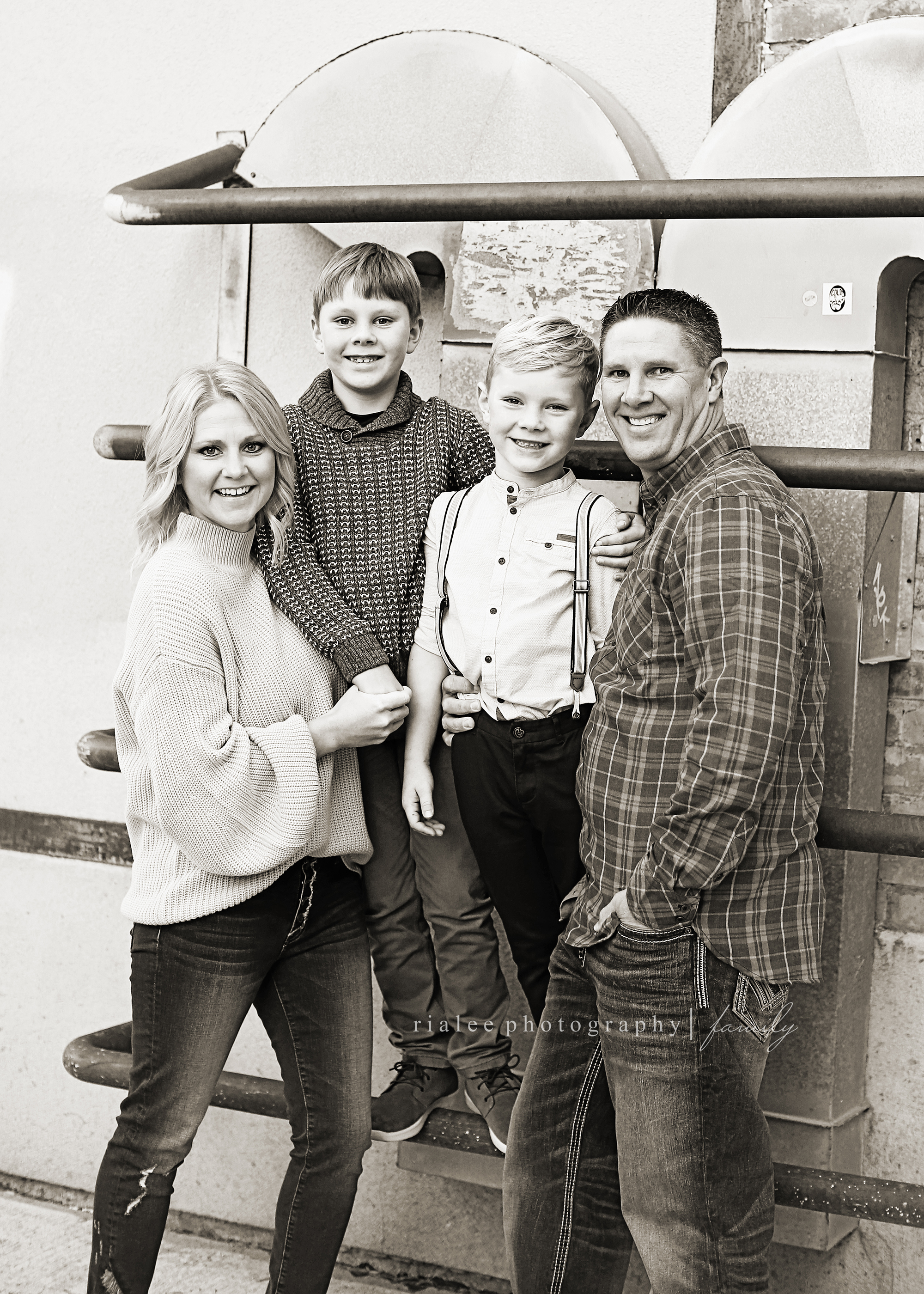 bestfamilyphotographerfargond.jpg