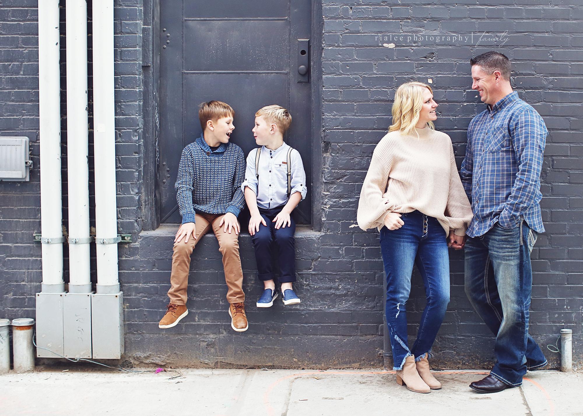 modernfamilyphotographerfargond.jpg