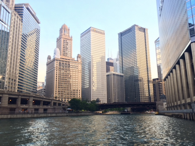 Travel Guide | Cheap Things to do in Chicago, IL | Emily Malkowski | Travel & Lifestyle Blogger