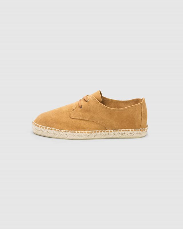 Terracota #espadrilles | Clean look, no logos visible. . . Subscribe at mestrestore.com and get 15% off.  #handmadeinspain #menswear #menwithstyle #menstyle #minimalmood #handmade  #espadrilles #gqmen #gqinsider #menessentials #hardtofind #handmade #gqstyle #menstylefashion #effortlessstyle #menshoes #menwithstreetstyle #menswithclass #menstyles #mediterraneanstyle #essentialsmen #menlifestyle