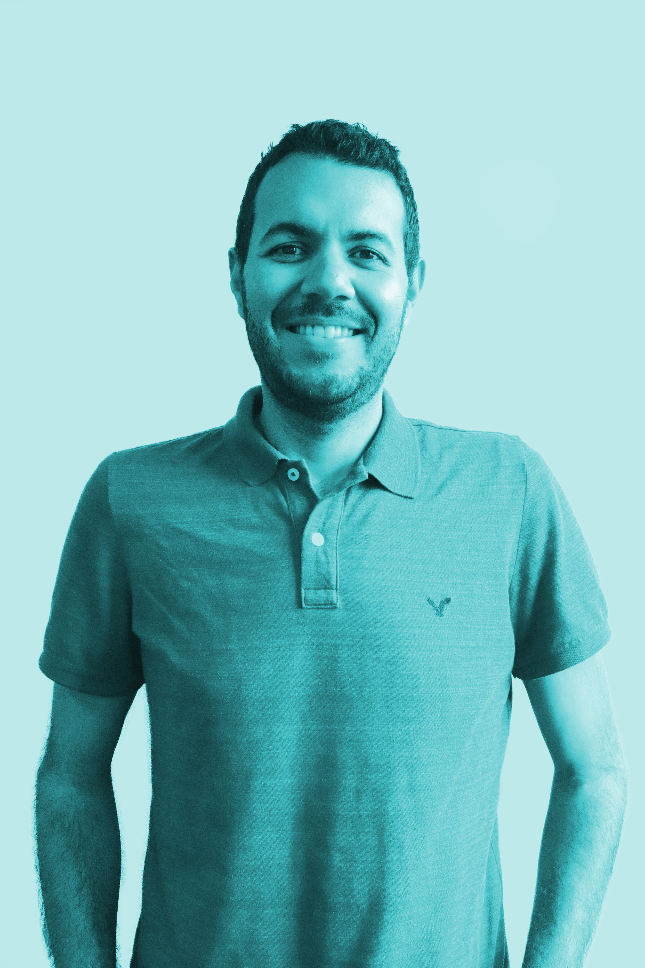 Fernando - Fernando is a photographer and filmmaker with a background in graphics design and marketing. You'd think he's busy enough, but he spends all his spare time sharing his knowledge of Spanish to others.
