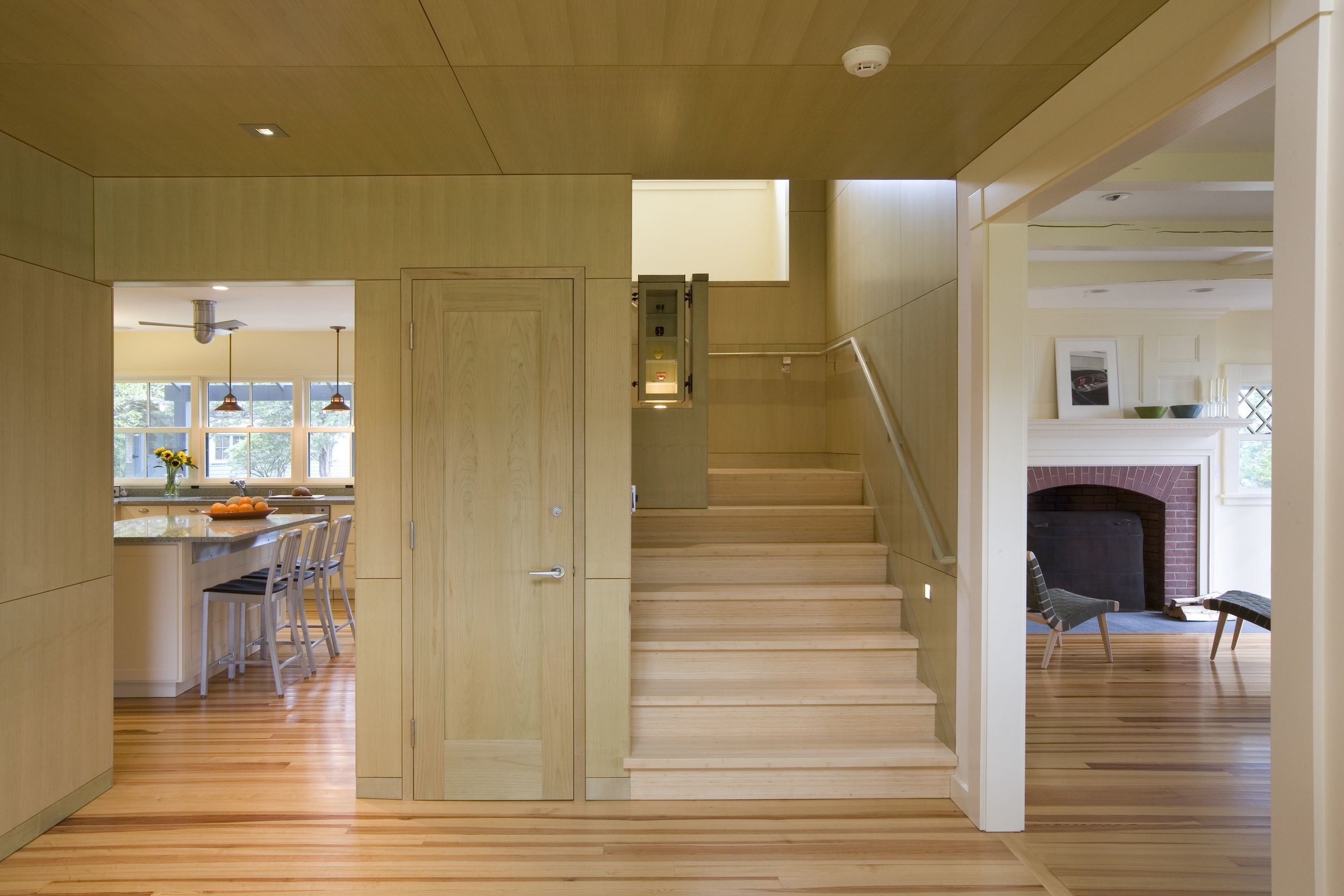 09 AVISNQ_MH_PV_INT_05 kitchen + stair + living rm.jpg