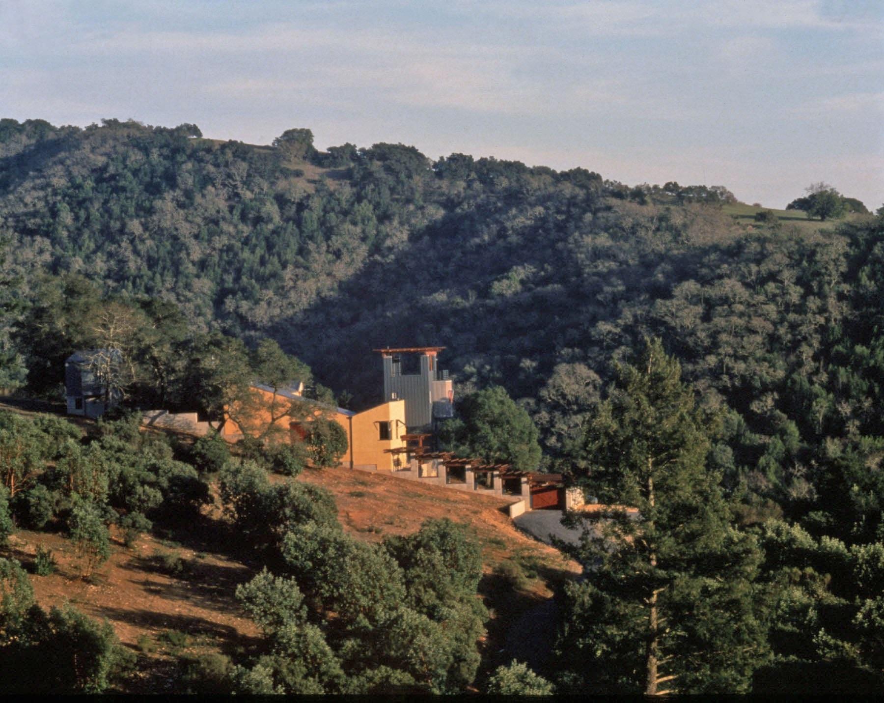 03.5von stein residence exterior photo richard barnes 1994 21R_lightened.jpg