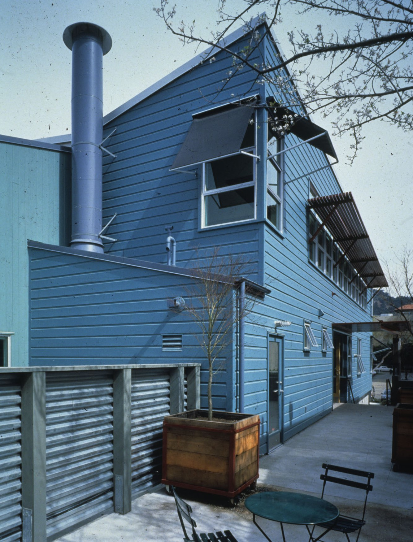 04 Tipping building-exterior-richard barnes-1996-53L.jpg