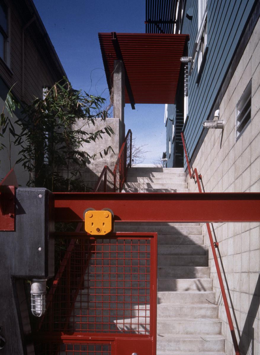 TIPPING_EXT_05.gate.jpg