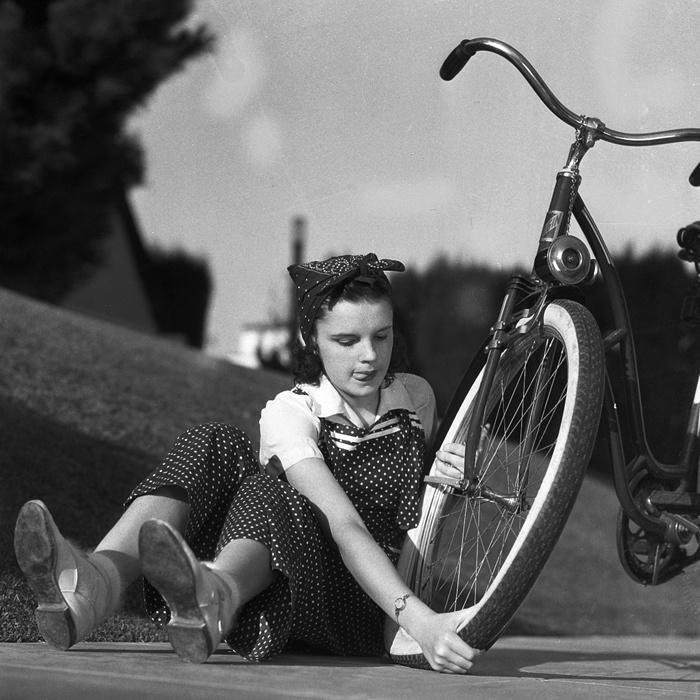 fotos_antiguas_de_bicicletas_611195690_700x7001.jpg