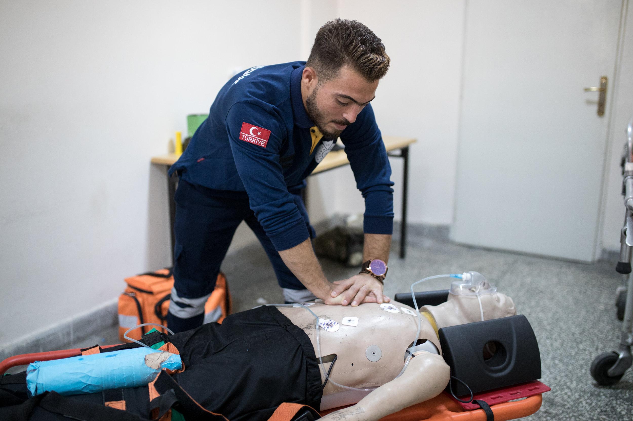 2018-07-02_Muhamed Najar, 24, Paramedic at Sütçü Imam Uni, Kaharamarmas, TK_0248.jpg