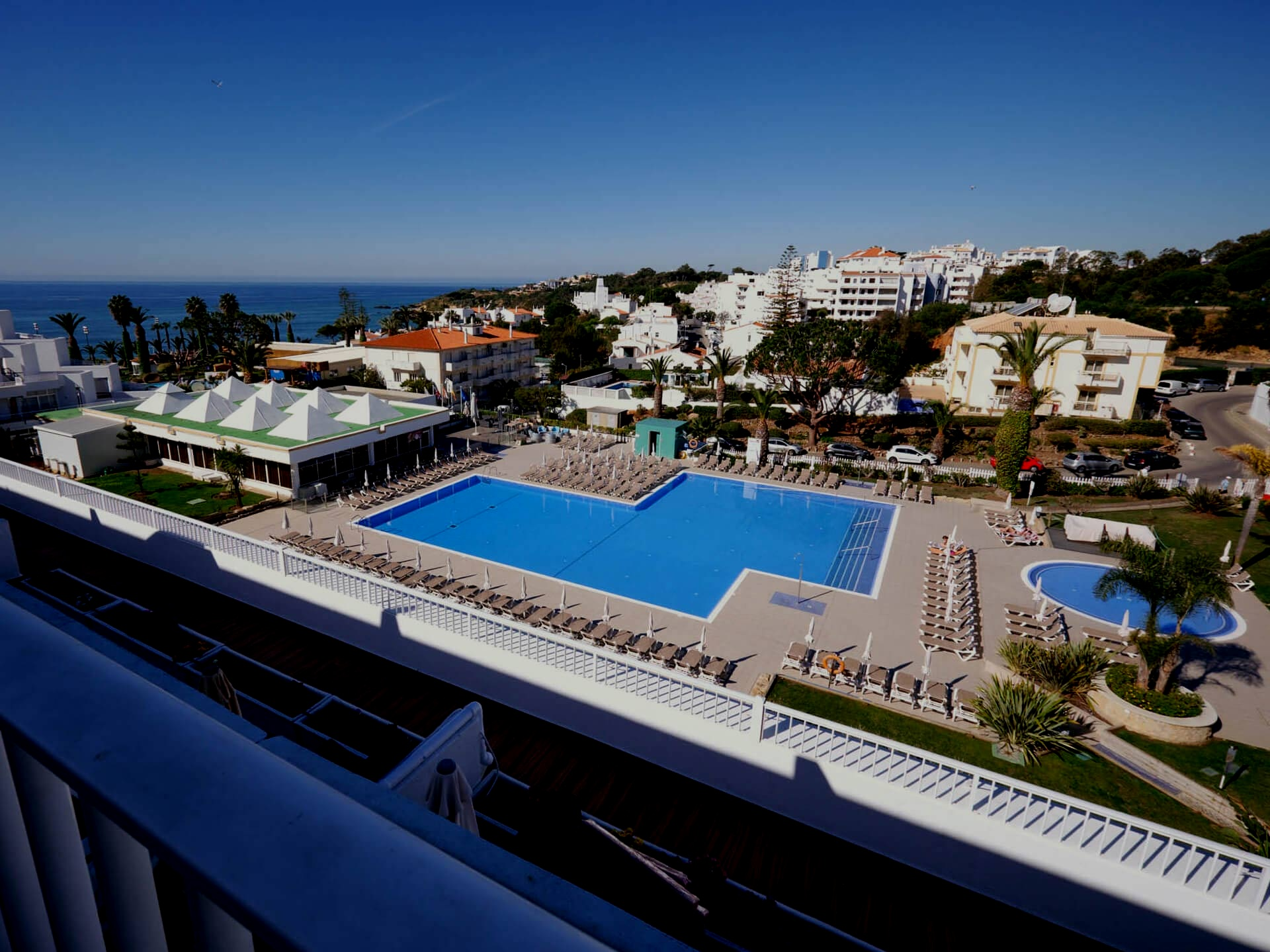 Hotel - 4 Star Hotel? On the beach? 2mins from all the events? Perfect!
