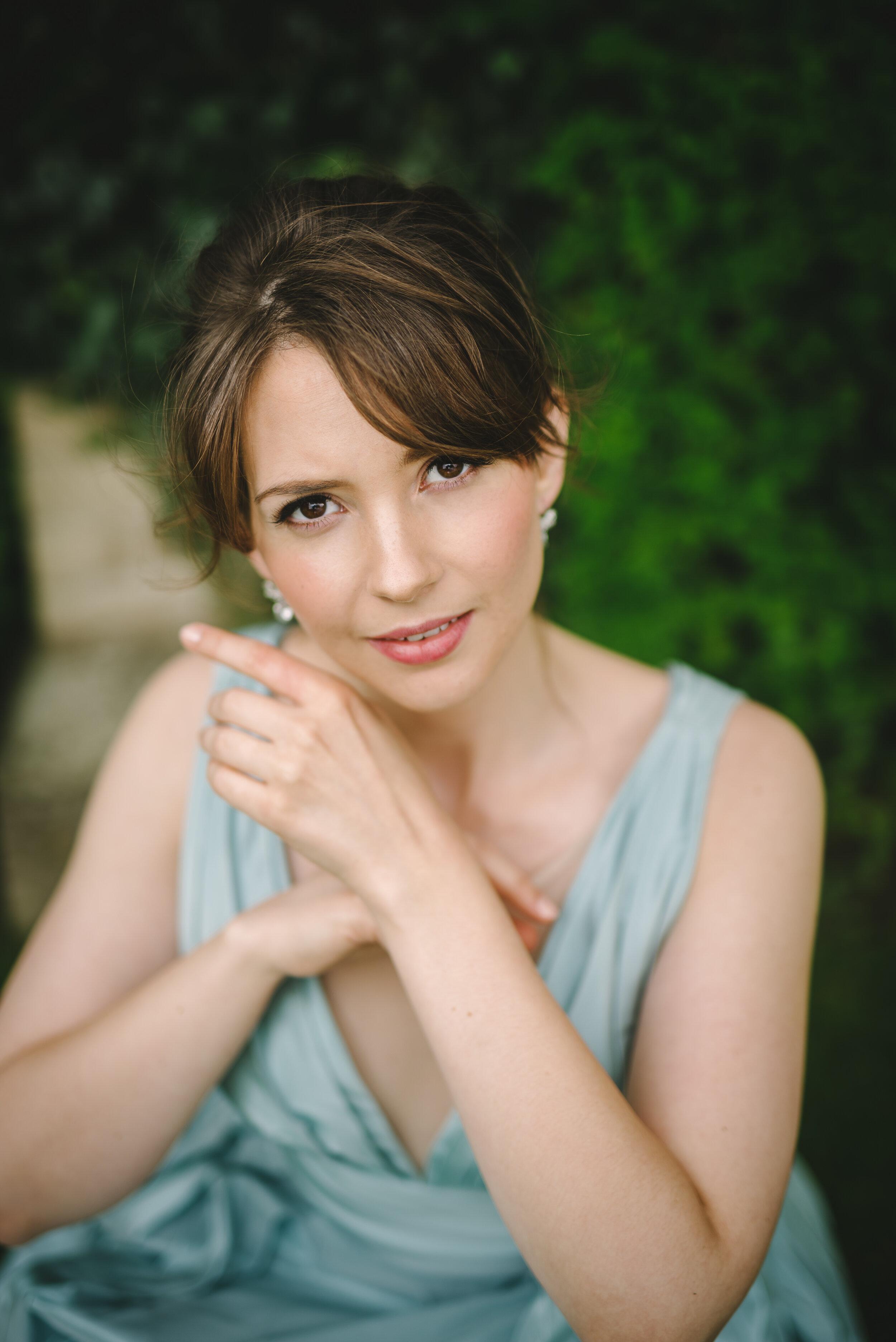 Elissa Edwards, Soprano