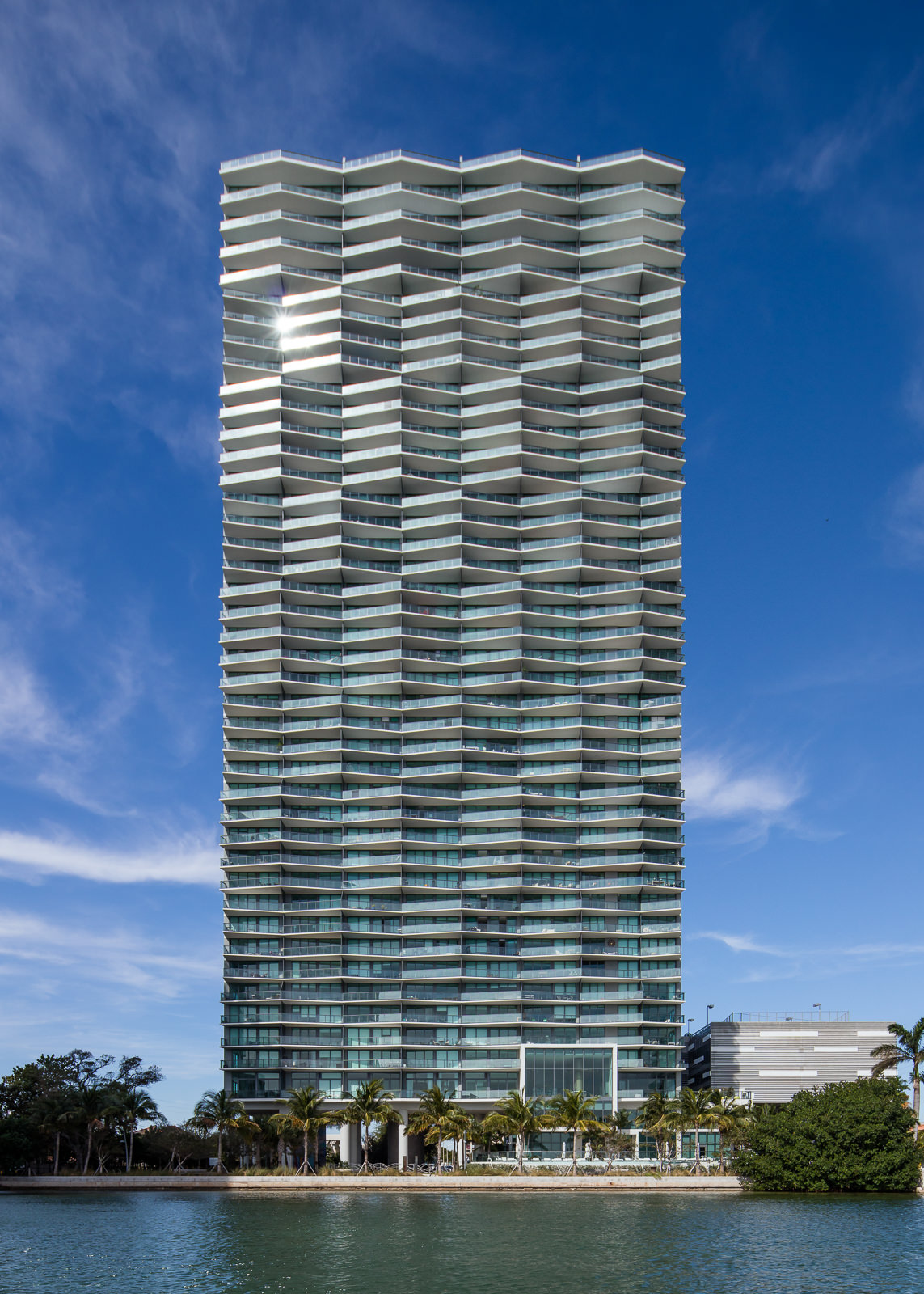 Icon Bay, Wynwood, FL - Arquitectonica