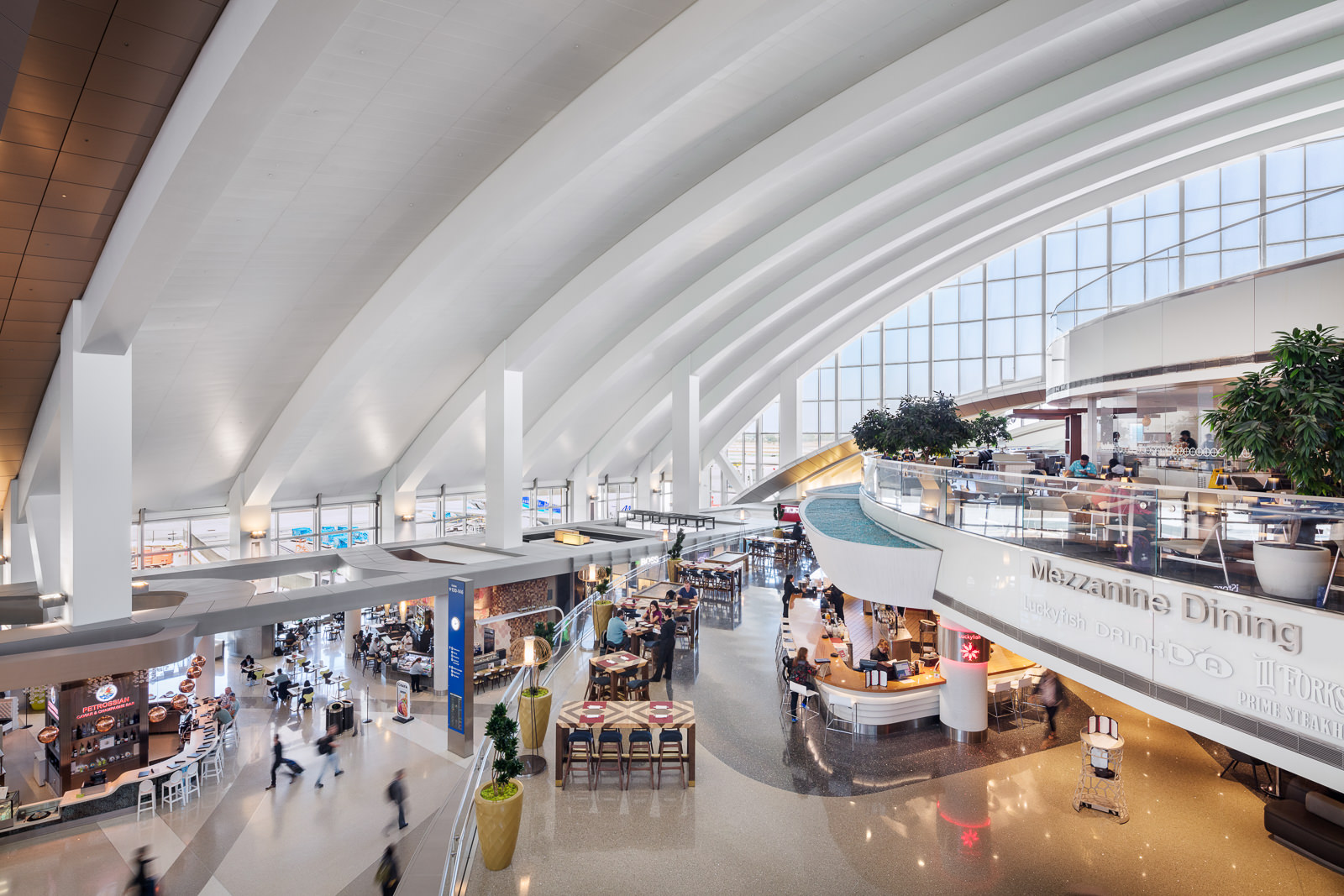Tom Bradley Int'l Terminal, LAX - Fentress Architects