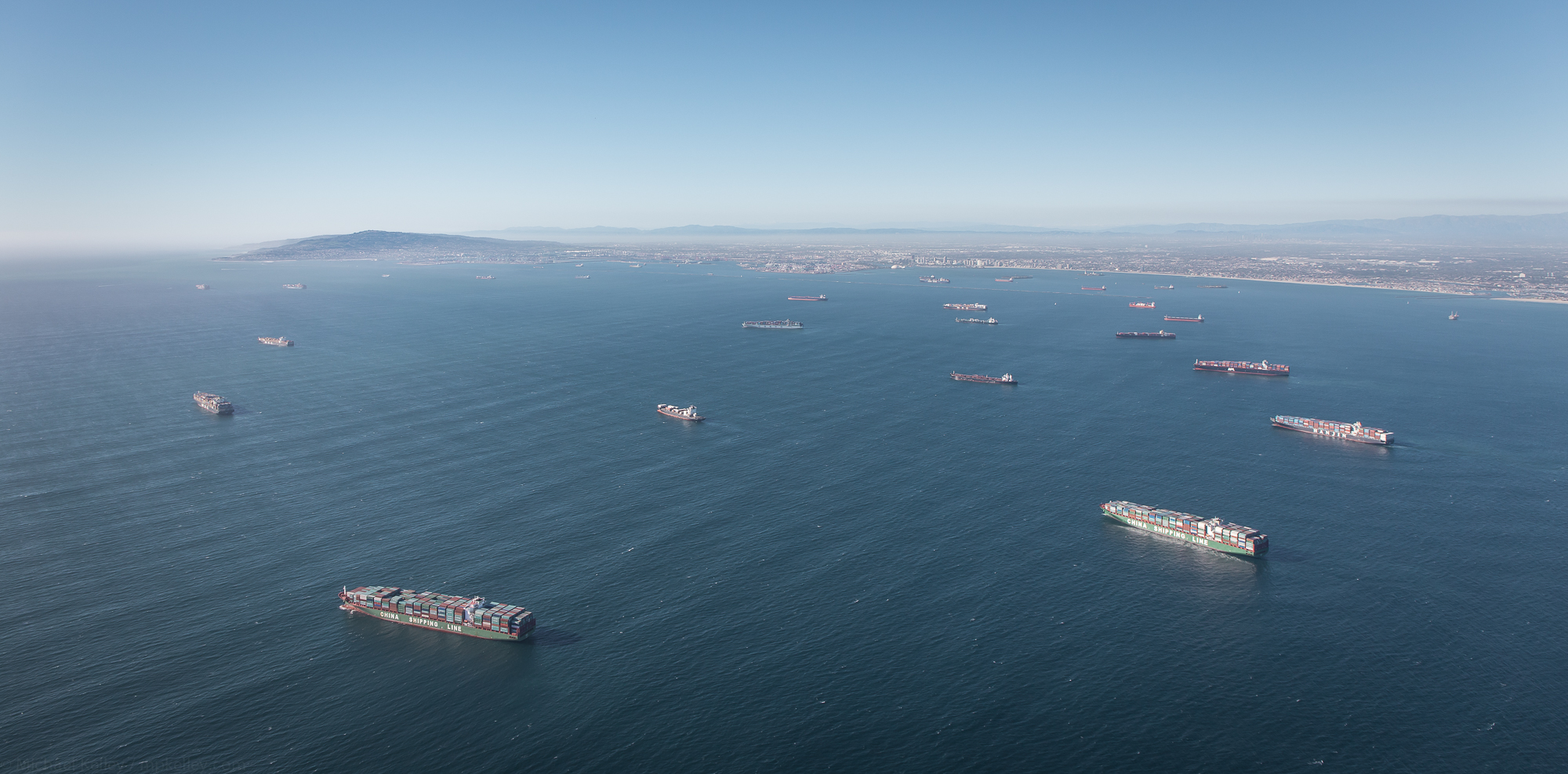 From this angle, the scale and size of the city and ships becomes quickly apparent