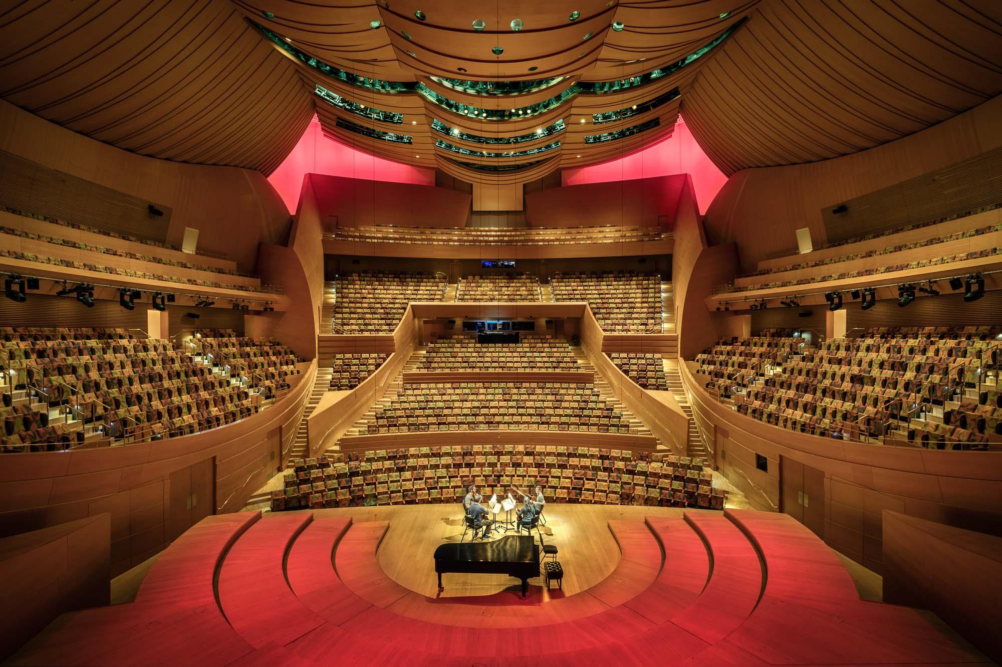 walt-disney-concert-hall-mike-kelley-3.jpg