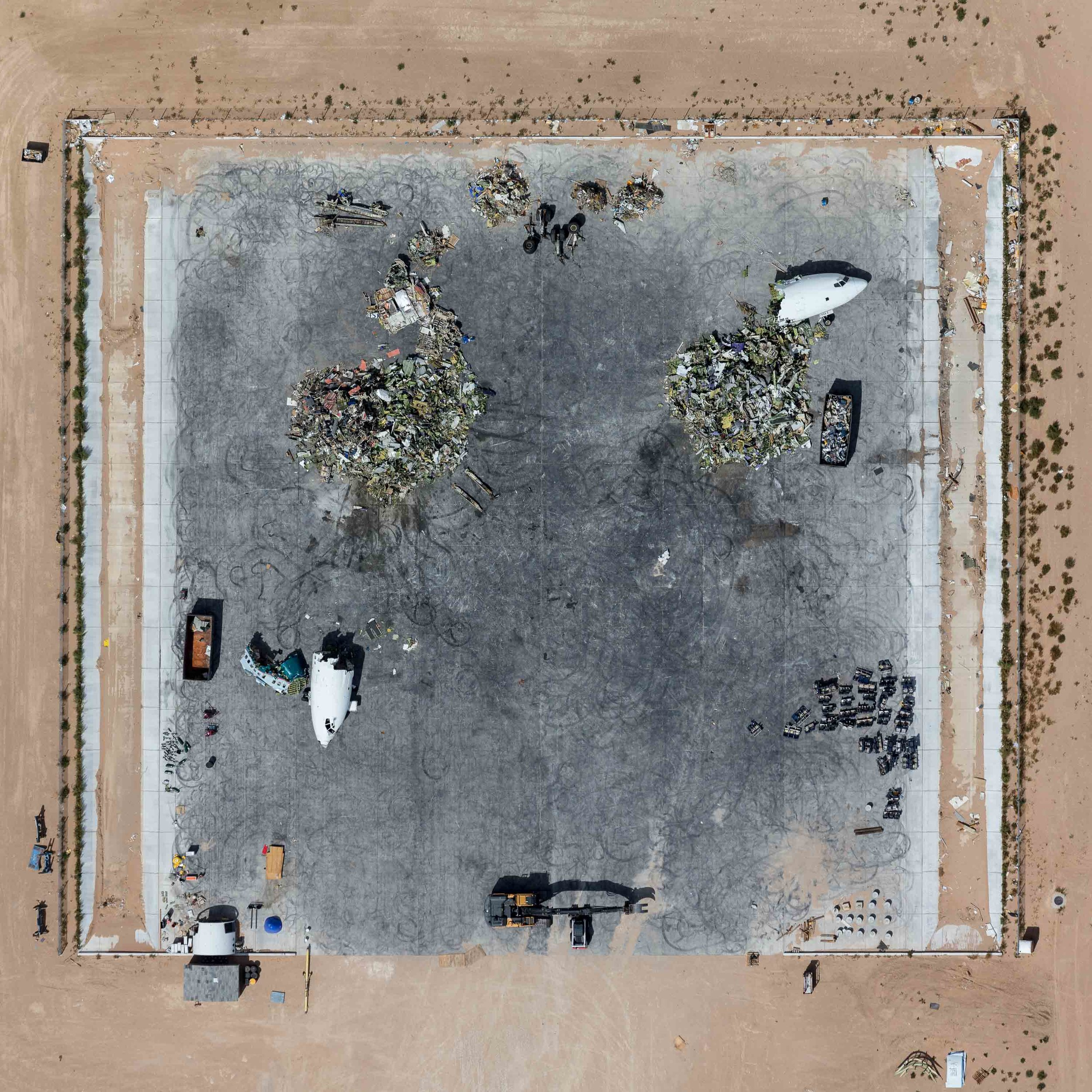 mike-kelley-boneyard-aerial-photography.jpg