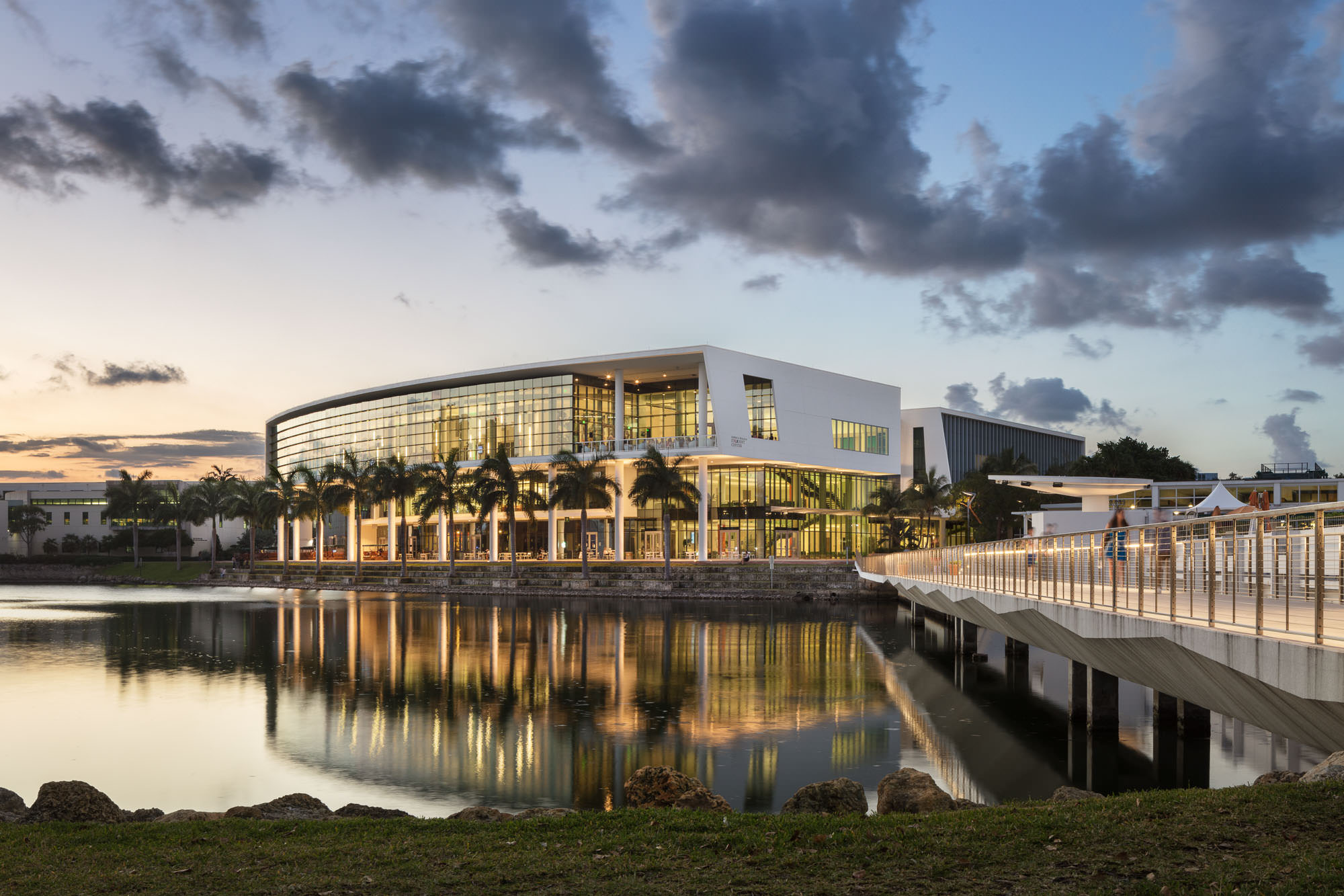 University of Miami Student Center, Miami, FL - Arquitectonica
