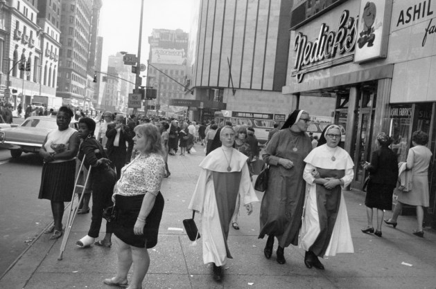 GARRY WINOGRAND, New York ,1972