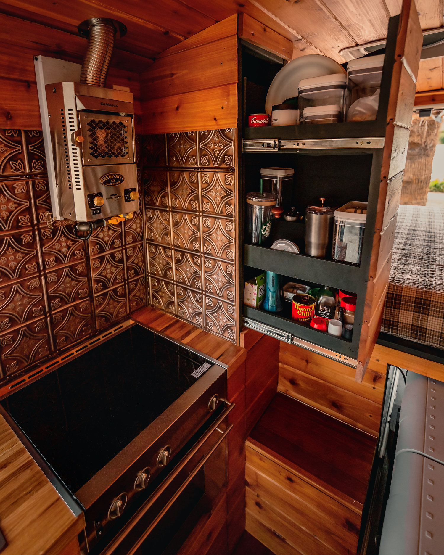 Kitchen worktop with spice rack