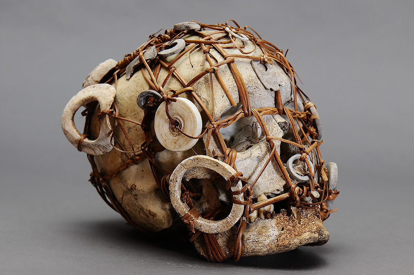 solomon_islands_new_georgia_skull_shrine_2.jpg
