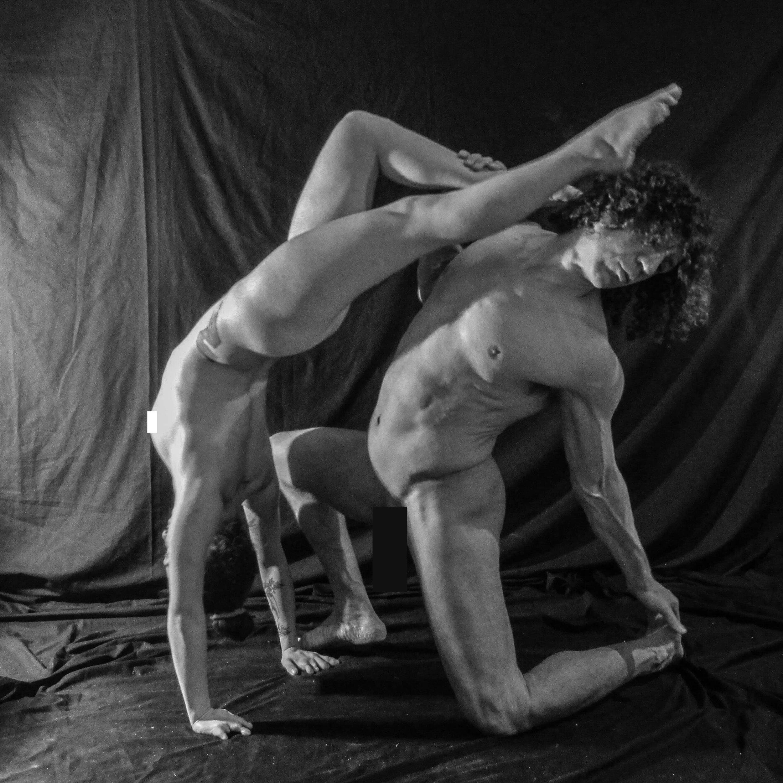 Playing acrobat ( Life Drawing Gymnasia ).