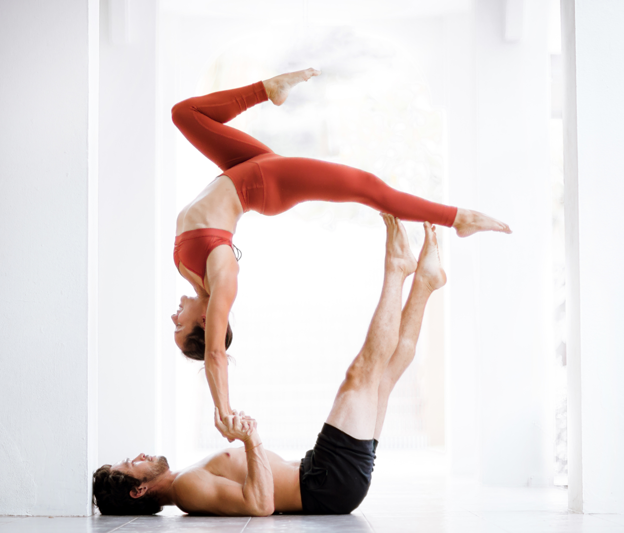 200-hr | FIT FLOW FLY - Our foundational 200-hour program will deepen your understanding of all postures and flows, connect anatomy to movement, build your confidence, and develop your brand.