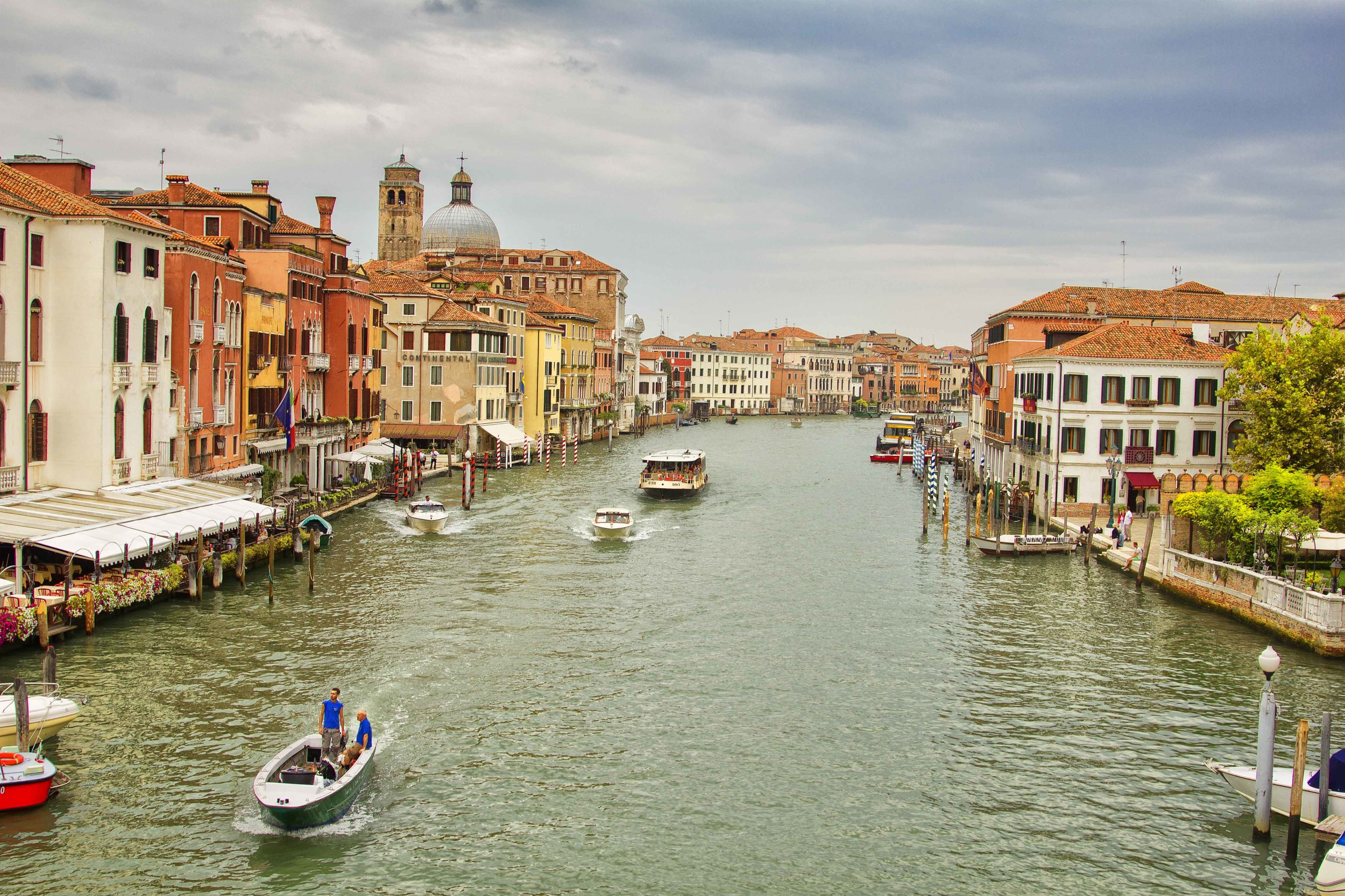 Exploring Venice Part 1 - A little over a year ago myself and three fellow students (Shane, Caroline and Simon), won a travel bursary with Midhusrt Rother College. The bursary was set up a long time ago by the founder of the school (Gilbert Hanamh) and was open for anyone to apply for....