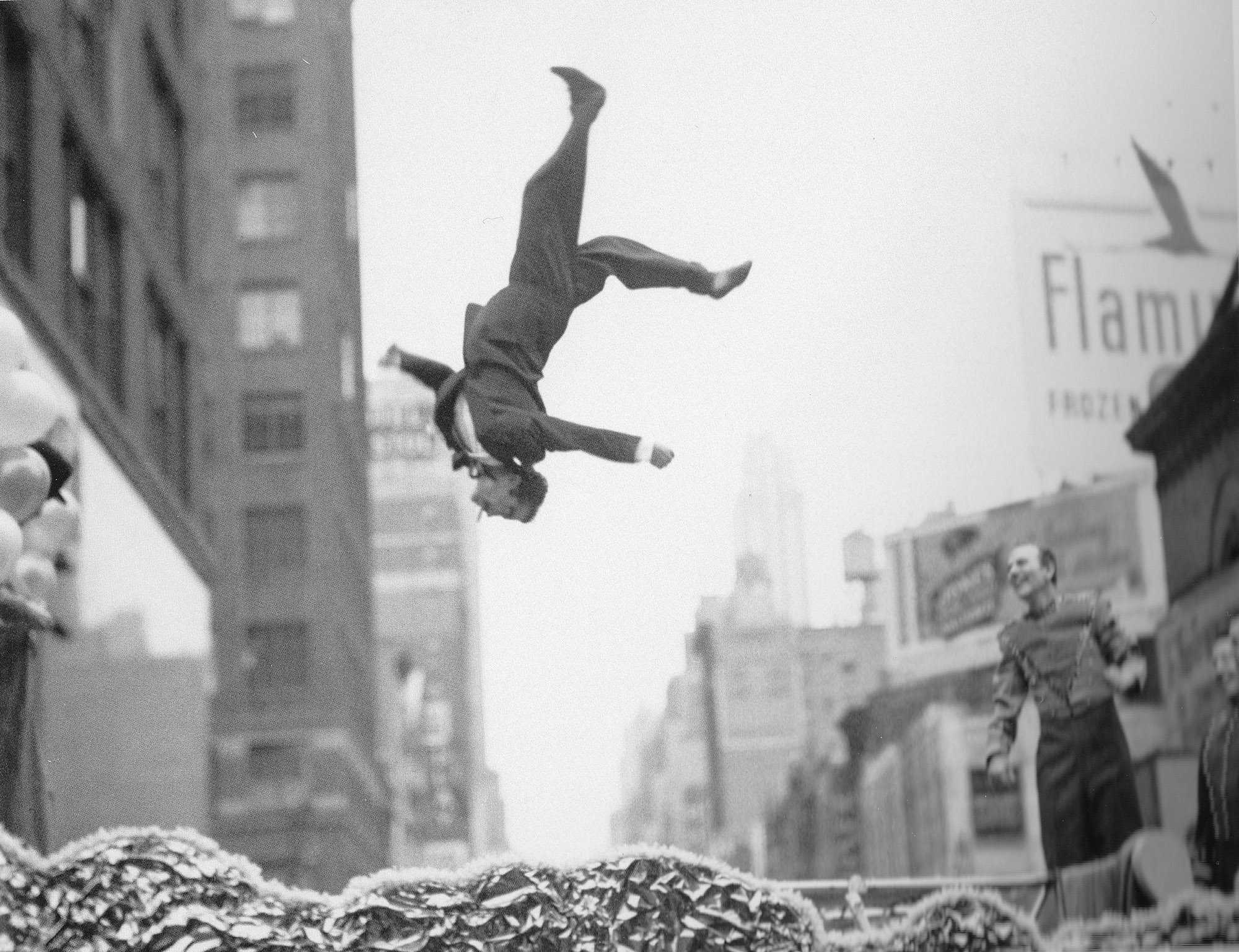 10 Lessons I have learned from Garry Winogrand about photography - Garry Winogrand is an American street photographer and one of my favourite photographers to date. He's well known for his portrayal of American City life and its social issues throughout the 1960's and 70's. Winogrand shot a large body of his work in New York City....