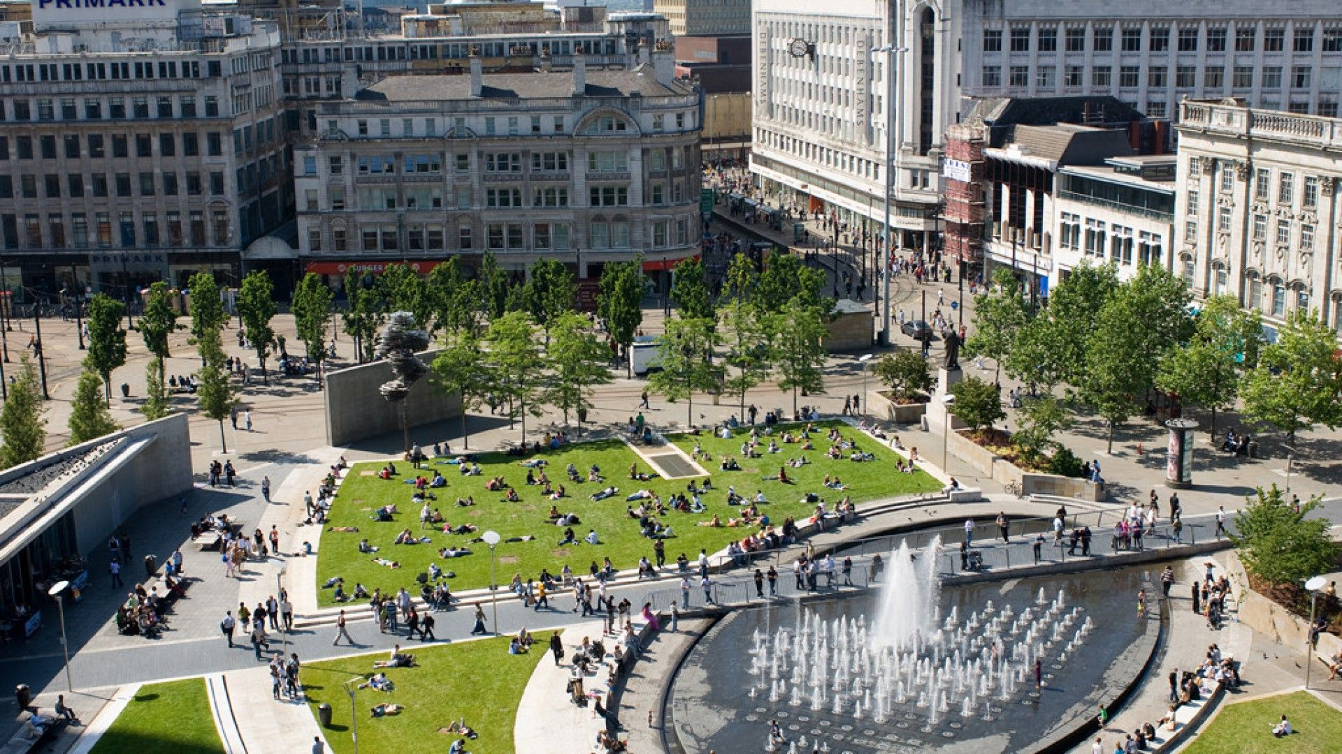 Piccadilly Gardens - Relax in Manchester