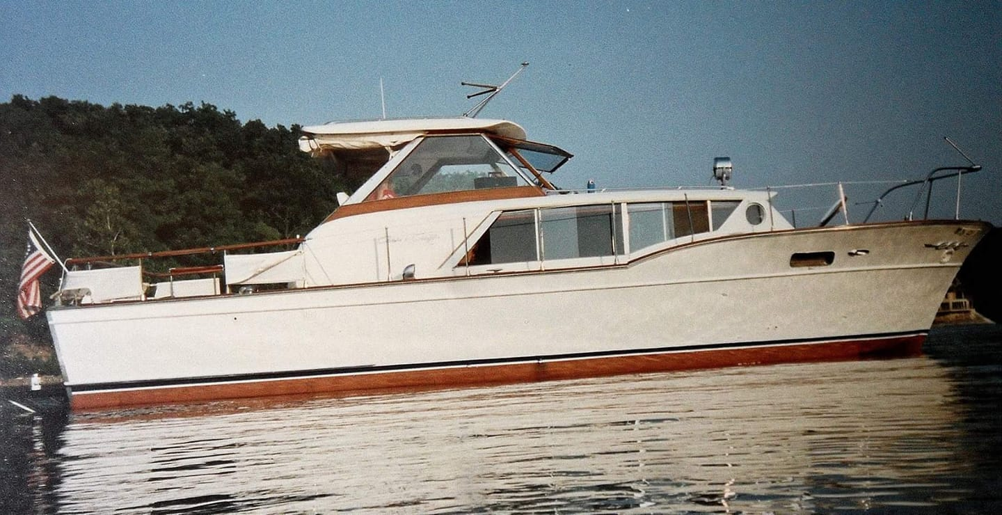 1961 Chris-Craft Constellation 35' showing the original configuration of the bridge (image courtesy of her owner, Doug Waggoner).