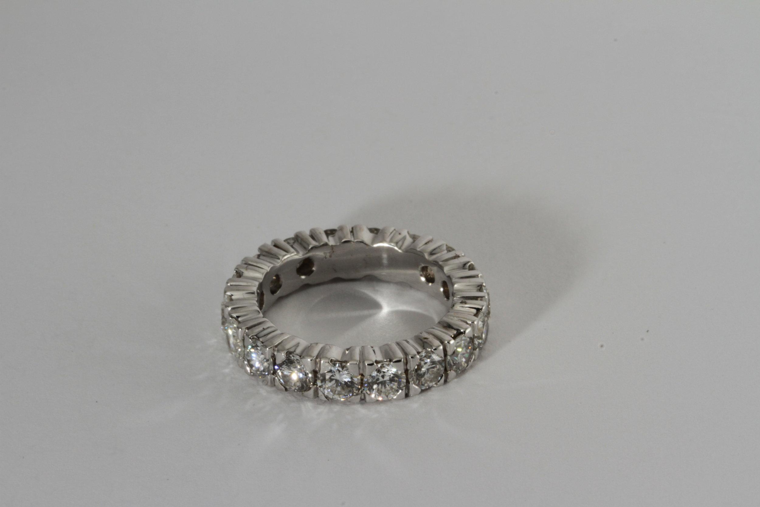 diamond anniversary band. 2.5 carats of fabulous diamonds set in 18k