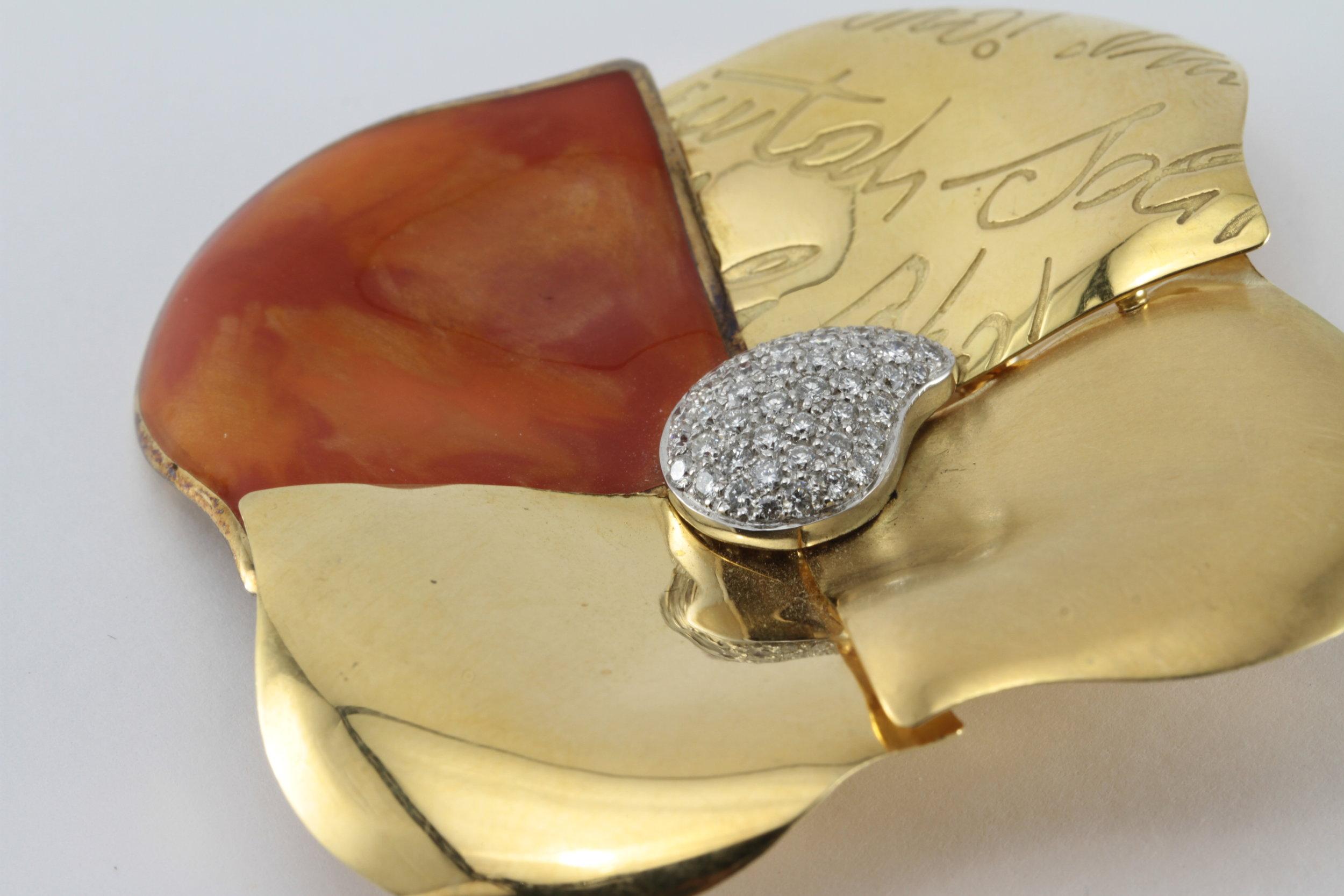 la neuvobage 18k gold diamond broach/ pendant
