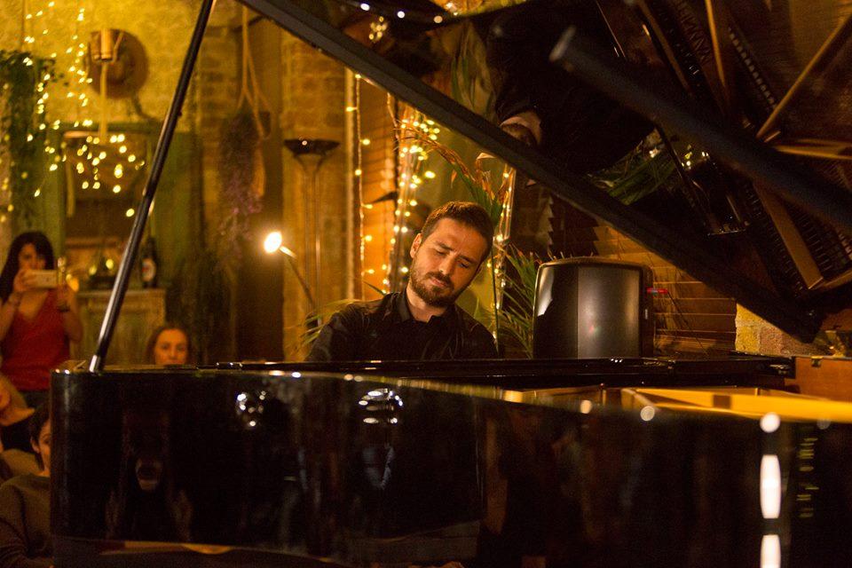 Simone Alessandro Tavoni, solo pianist