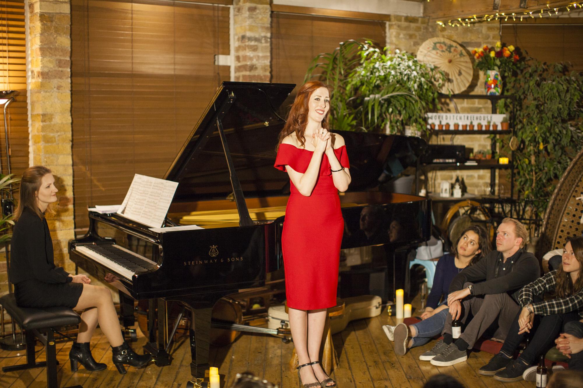 Vivien Conacher, mezzo soprano & Lana Bode, Piano