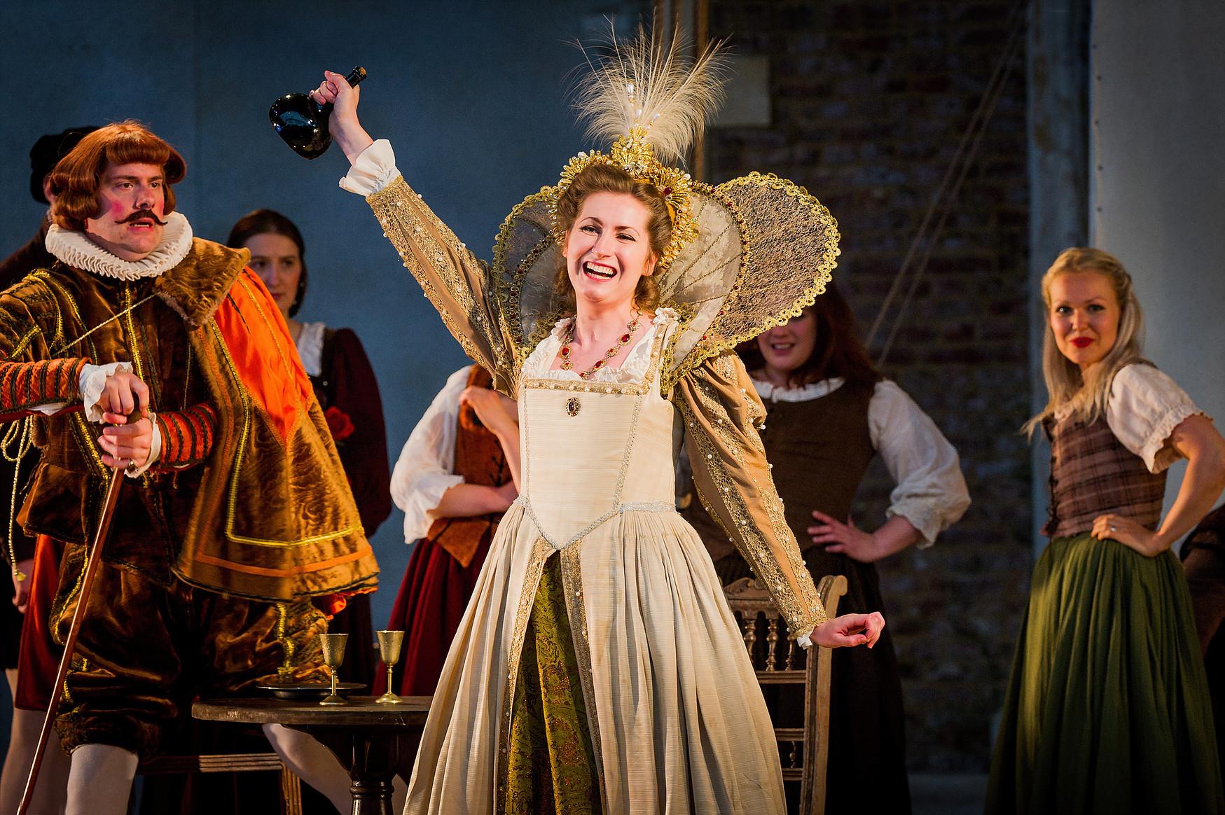 Elizabeth as Musetta in La bohème at Opera Holland Park © Robert Workman