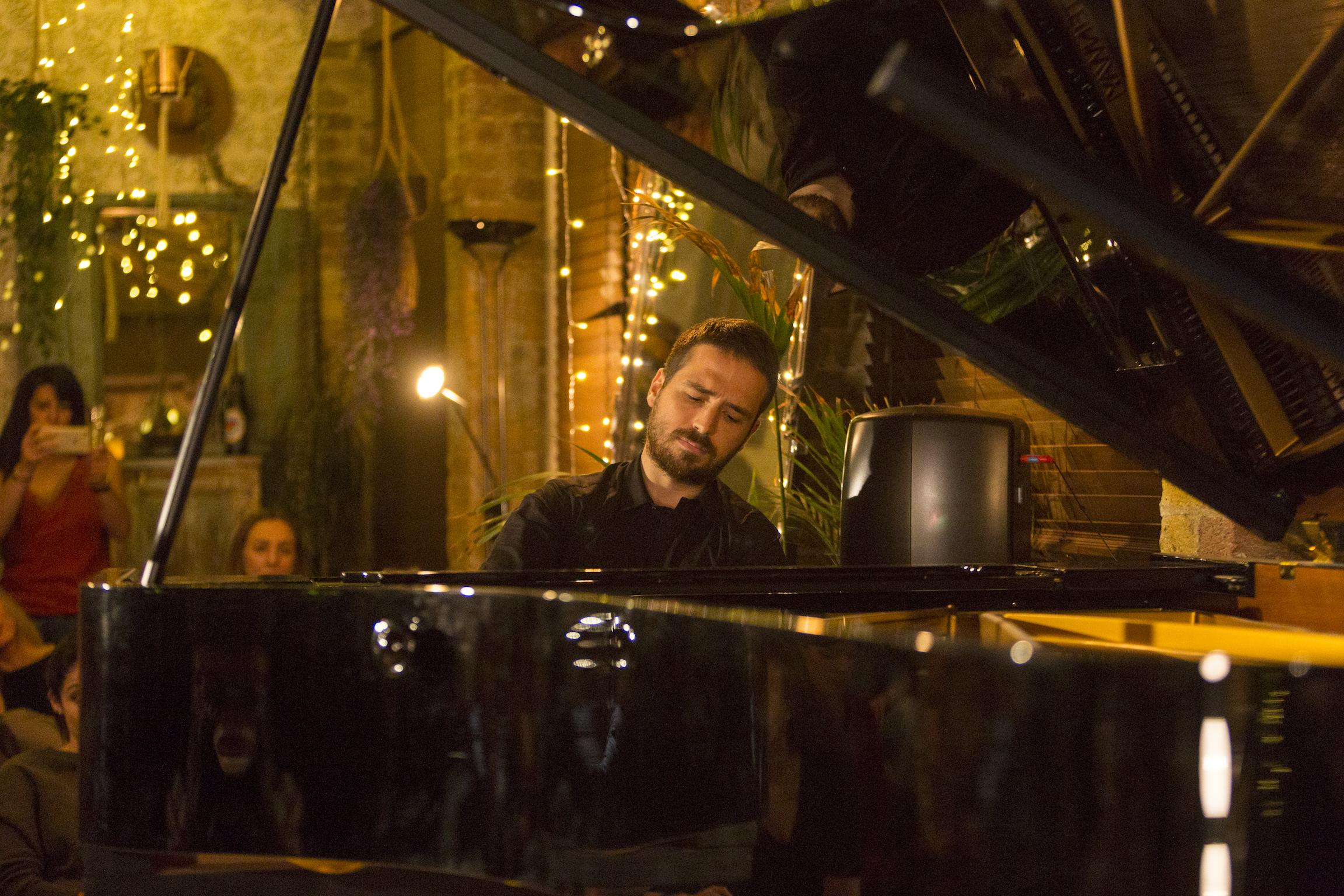Simone Alessandro Tavoni, piano