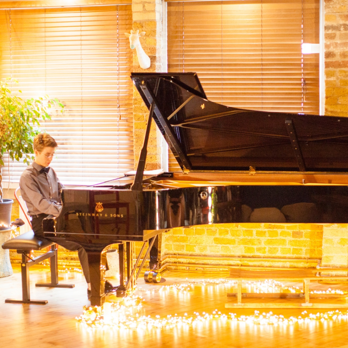 Pianist: Jazz, Improv on Popular Tunes, Classical