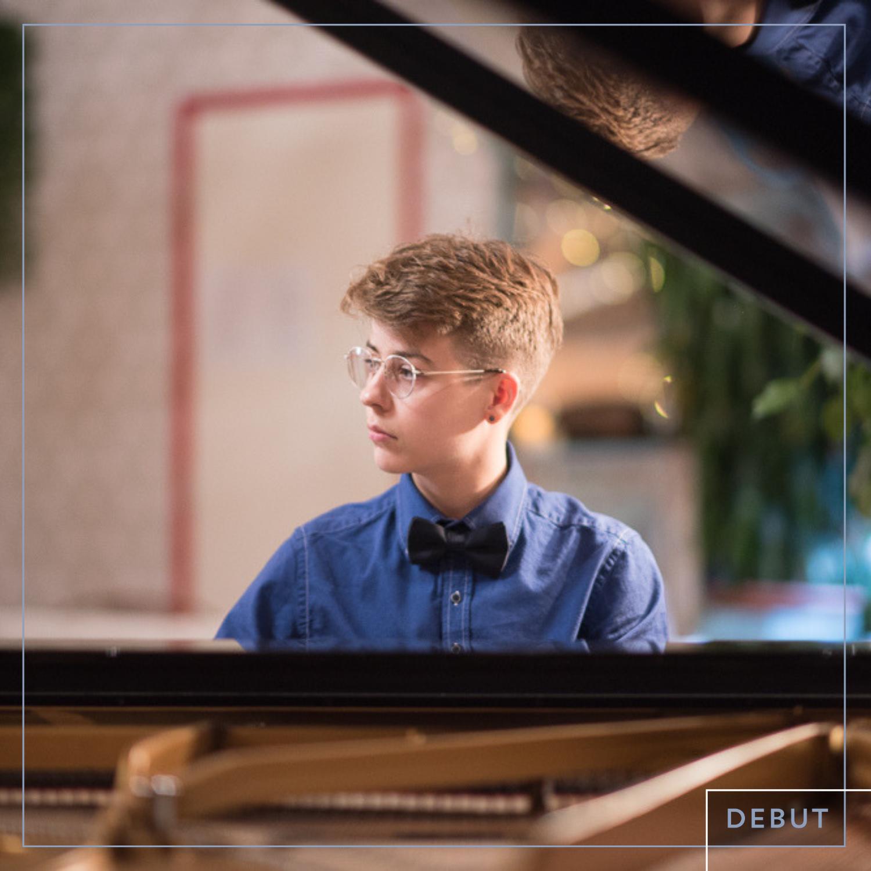 Sam Peña, resident piano improviser