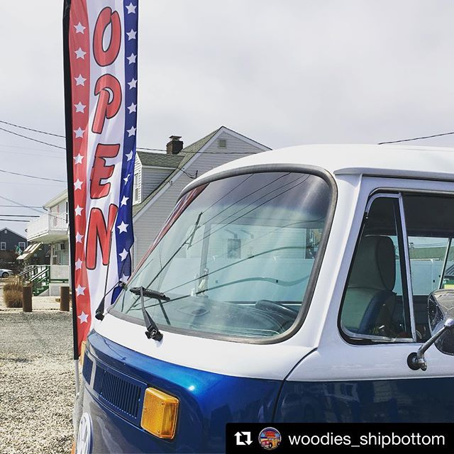 You have to wait one more month for pancakes, but you can get your favorite burgers today!! It's a perfect day to grab lunch or dinner outside at @woodies_shipbottom ! 🍔🍟🥞🥓 #5thstreetfamily #lbiregion #lbieats #longbeachisland #lbi