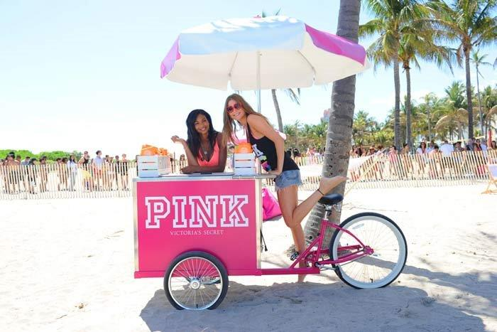 Gourmet popsicles and frozen treats - perfect addition to your los angeles or san diego corporate event.