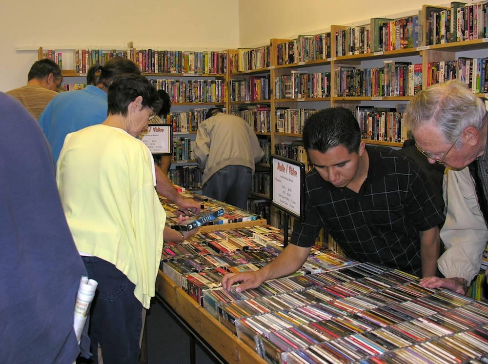 FOL Book Sale 5.jpg
