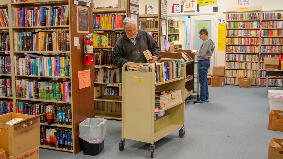 Books-at-book-sale_2.jpg