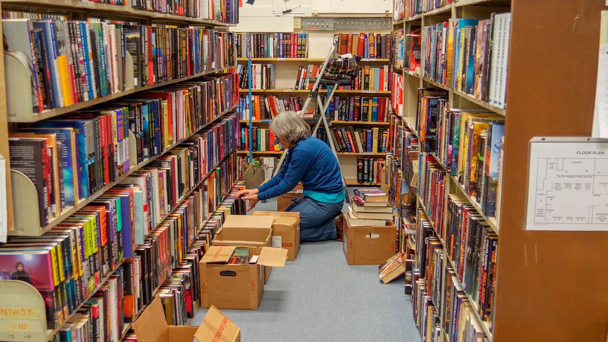 Books-at-book-sale_3.jpg