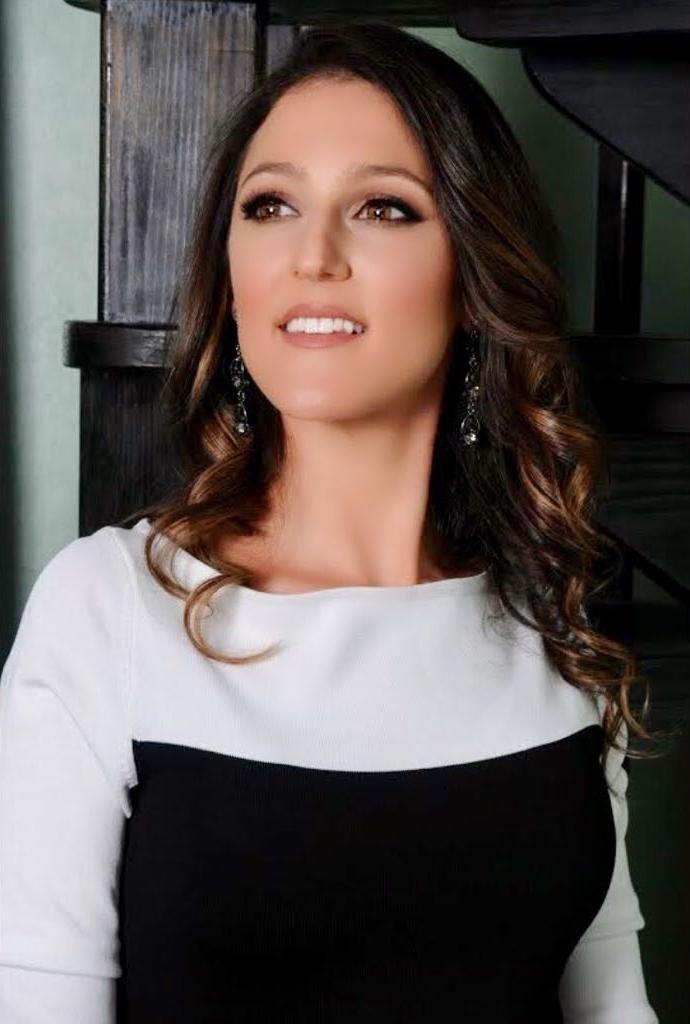 Simone Roitman - Event Planner and Singer