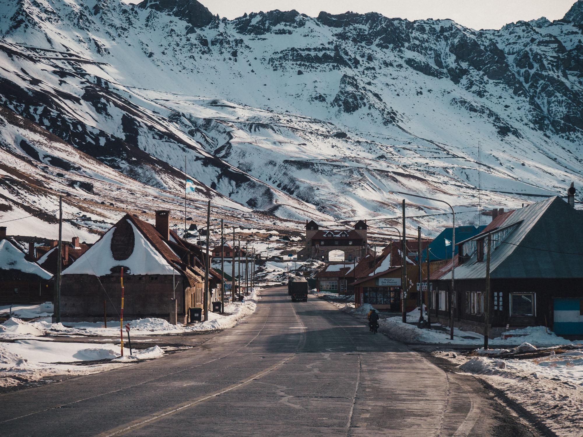 La Cueva, border town in Argentina.