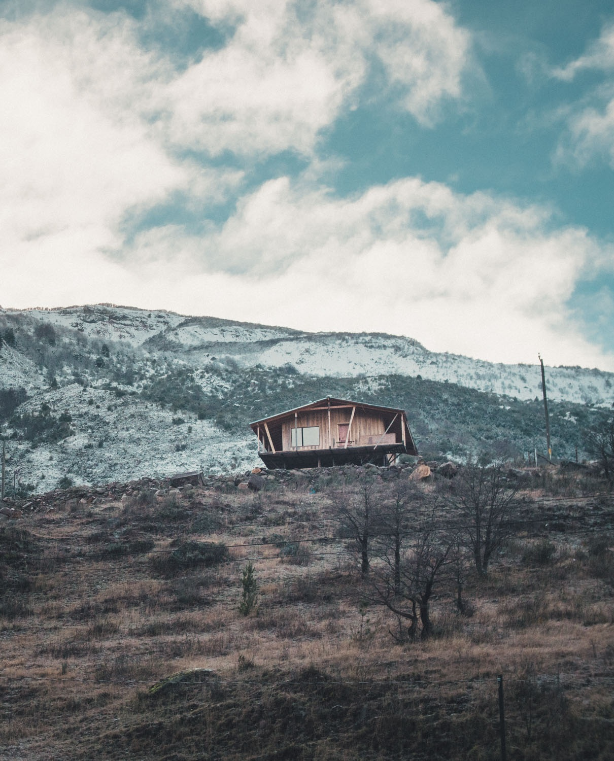 A  cabaña  (cabin) is a very common place to spend a night in Chile. Like most houses they are heated by a wood burner.